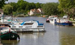 Briare : le port de plaisance © P.Forget - CRT CVDL